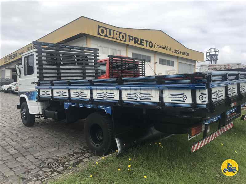 MERCEDES-BENZ MB 608 2000000km 1985/1985 Ouro Preto Caminhões